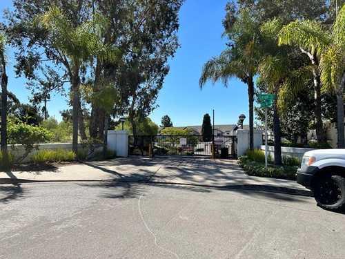 $440,000 - 2Br/3Ba -  for Sale in La Presa, Spring Valley