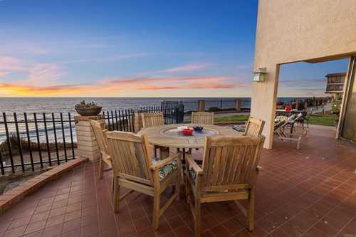 $3,100,000 - 3Br/3Ba -  for Sale in Solana Beach
