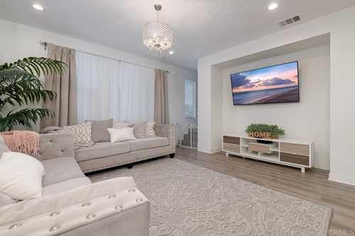 $600,000 - 4Br/4Ba -  for Sale in Chula Vista, Chula Vista