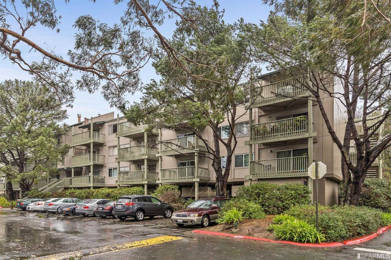 361 Half Moon Ln Apt 101 Daly City, CA 94015