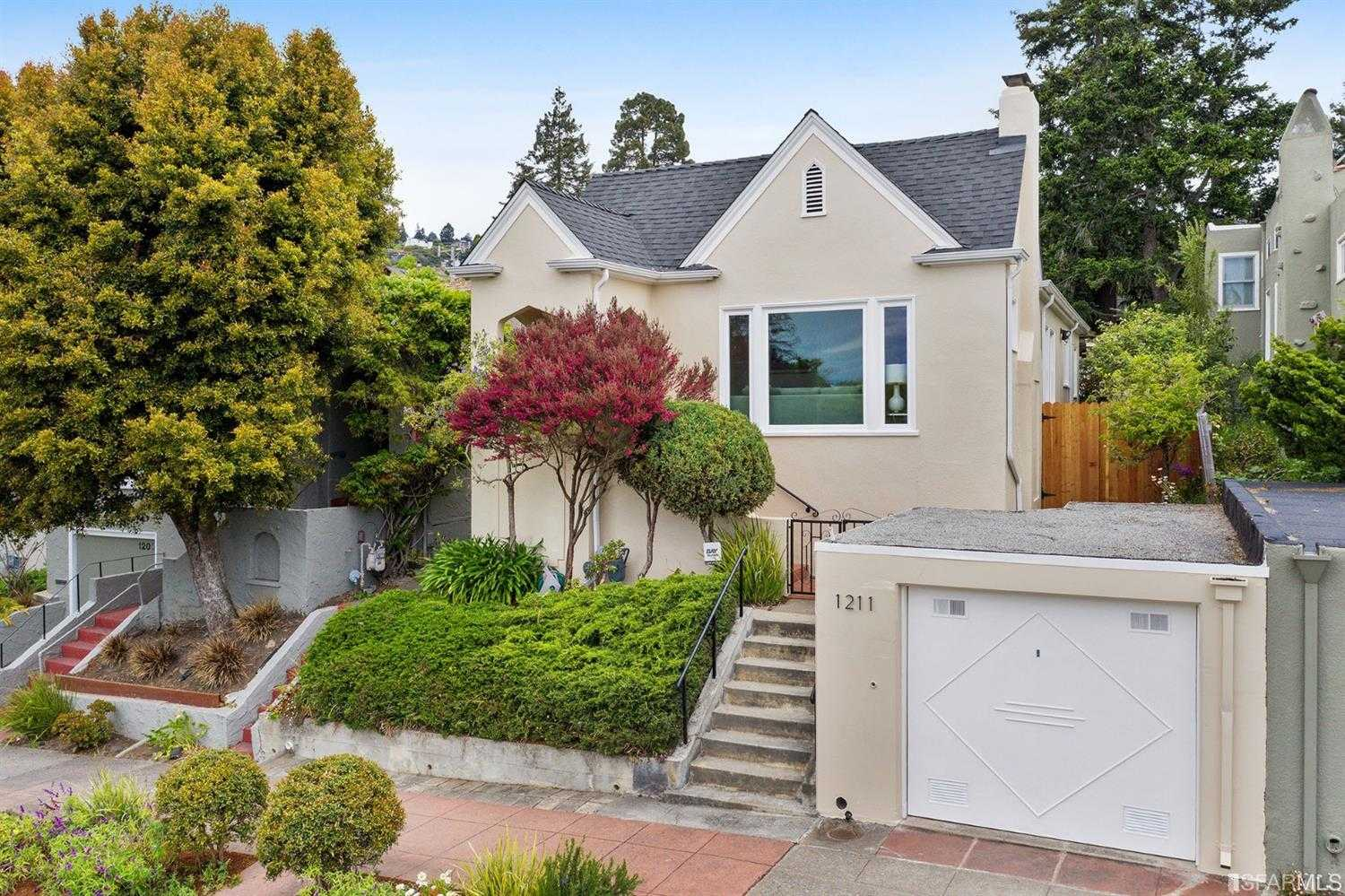 $1,050,000 - 2Br/2Ba -  for Sale in Berkeley