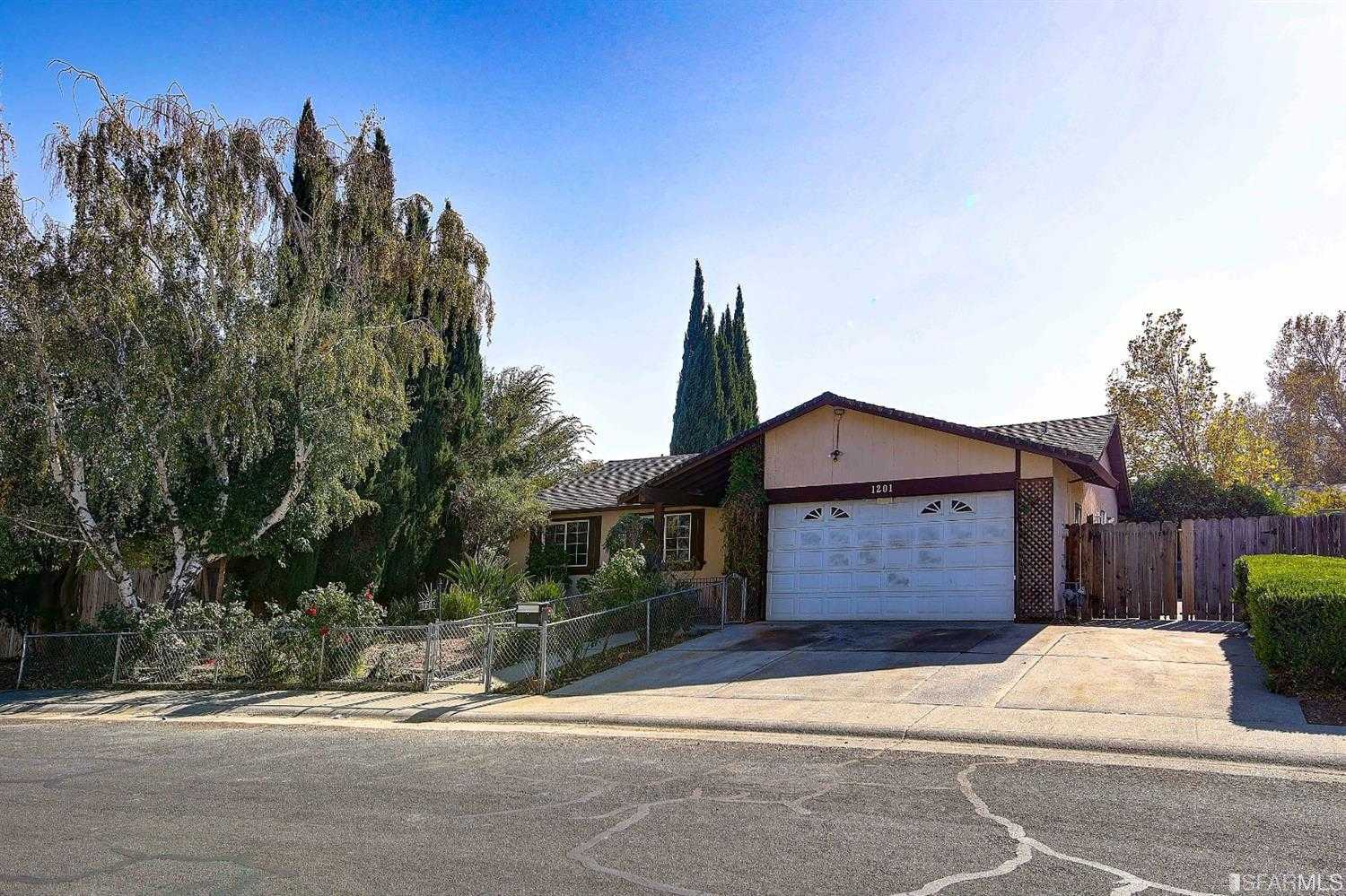 $299,000 - 3Br/2Ba -  for Sale in Suison