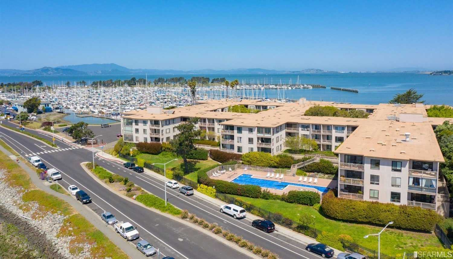 4 Anchor Dr Unit 221 Emeryville, CA 94608