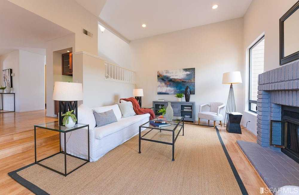 $1,272,000 - 3Br/3Ba -  for Sale in South San Francisco