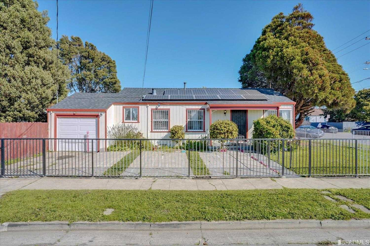 $490,000 - 3Br/1Ba -  for Sale in Richmond