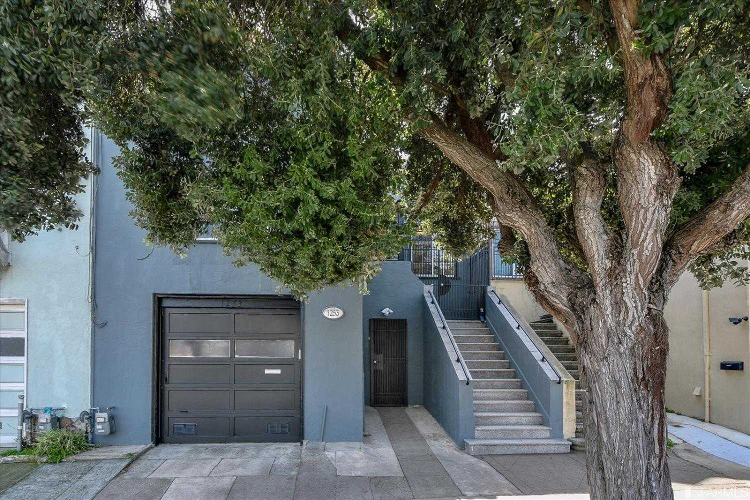 $995,000 - 5Br/3Ba -  for Sale in San Francisco