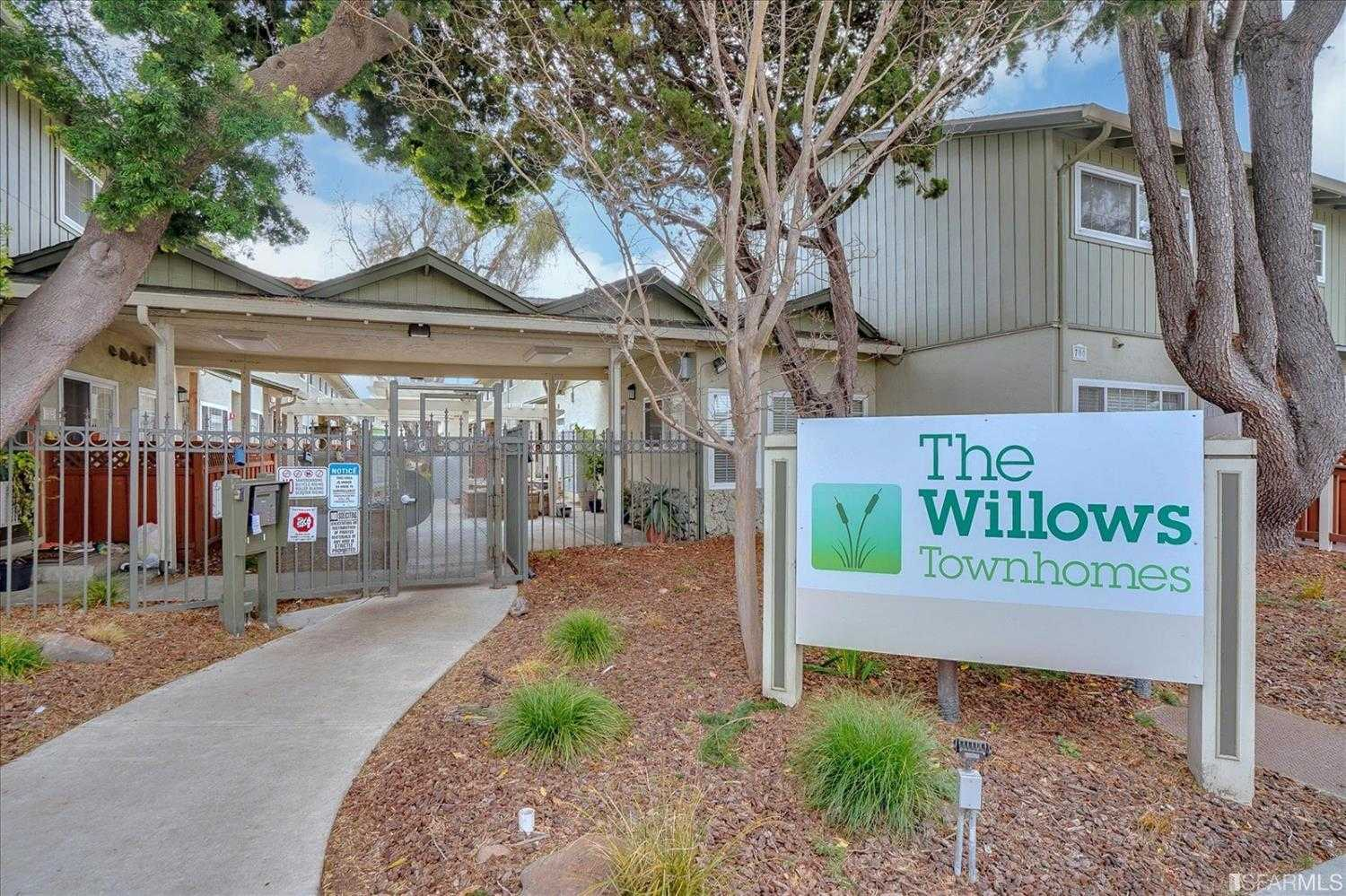 $465,000 - 2Br/2Ba -  for Sale in San Leandro