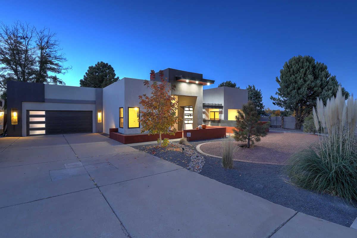 $625,000 - 4Br/3Ba -  for Sale in Albuquerque