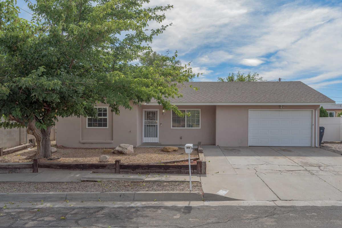 $235,000 - 4Br/2Ba -  for Sale in Albuquerque