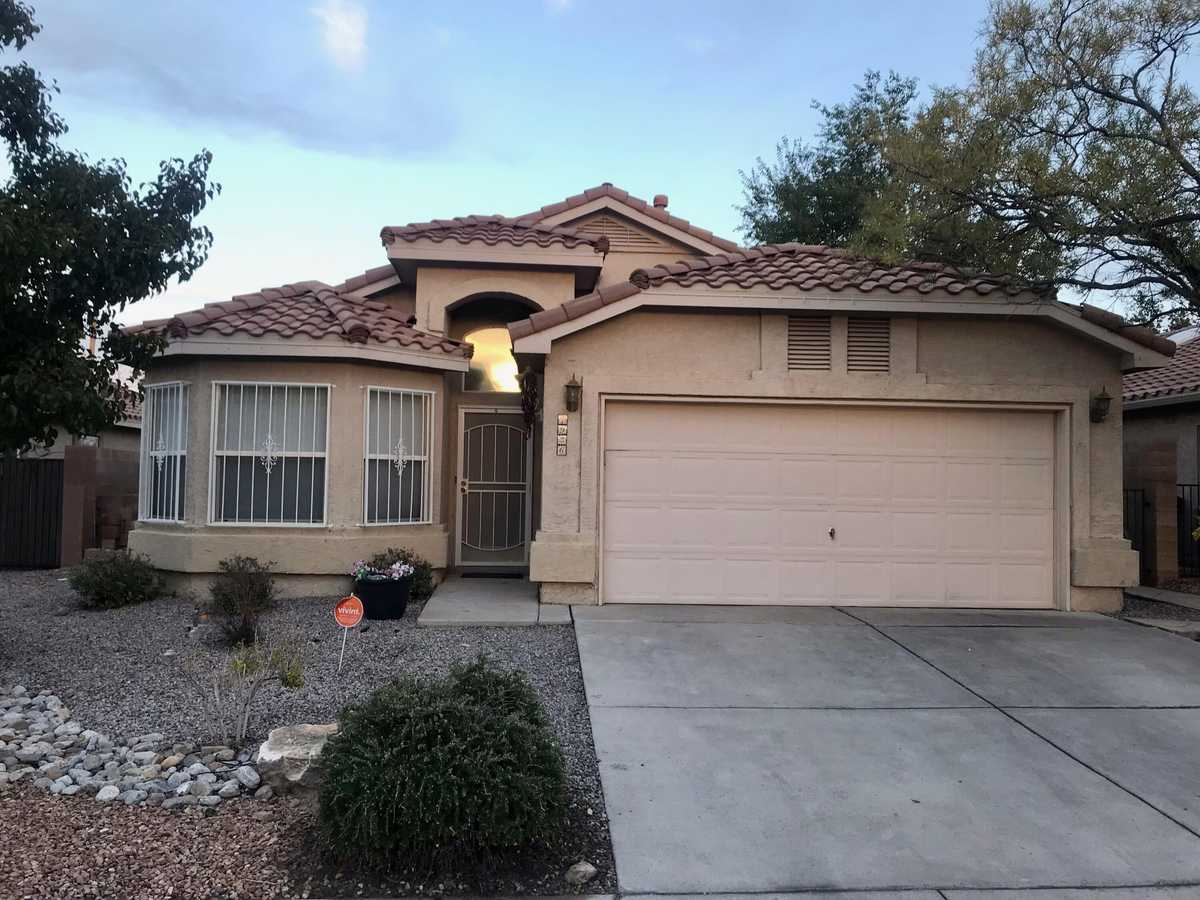 $312,000 - 3Br/2Ba -  for Sale in Story Rock, Albuquerque
