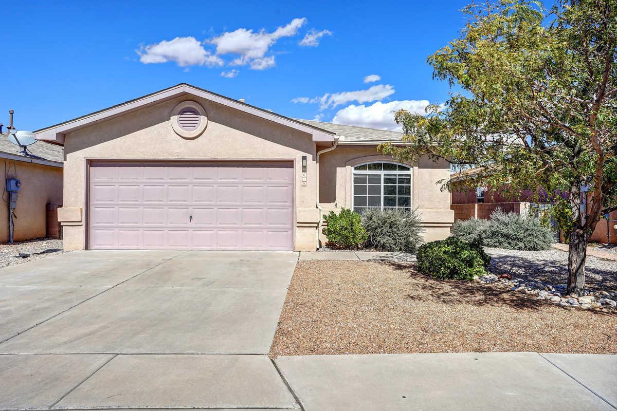 $299,900 - 4Br/2Ba -  for Sale in Albuquerque