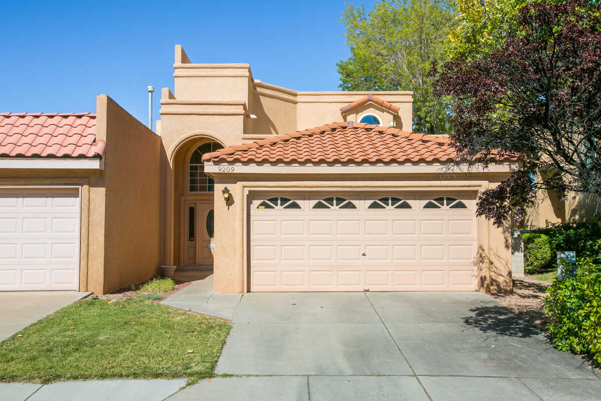 $440,000 - 3Br/2Ba -  for Sale in Torrey Pines At Tanoan, Albuquerque