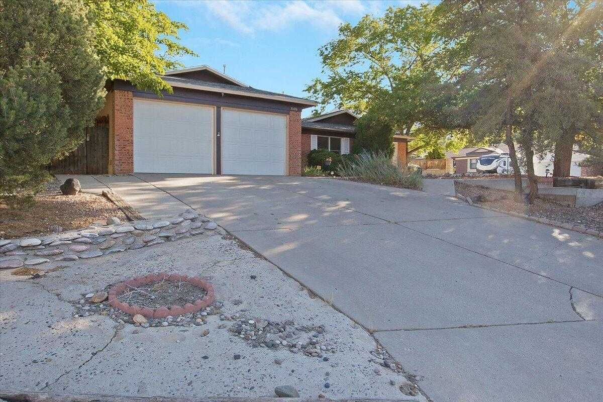 $385,000 - 5Br/3Ba -  for Sale in Holiday Park, Albuquerque