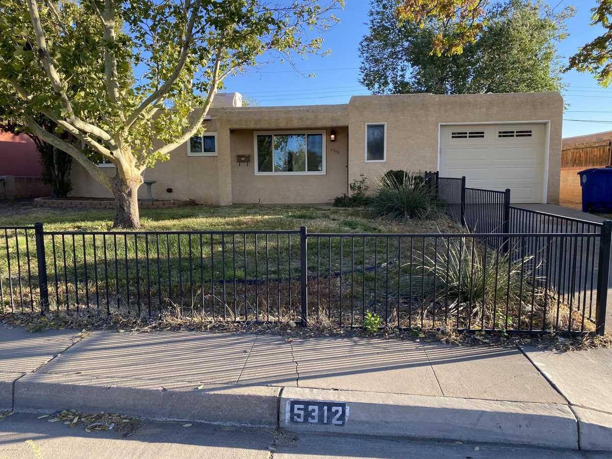 $229,000 - 3Br/1Ba -  for Sale in Albuquerque