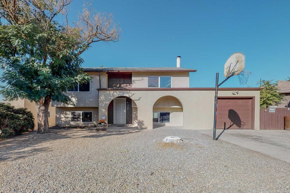 $300,000 - 4Br/2Ba -  for Sale in Juan Tabo Addn, Albuquerque