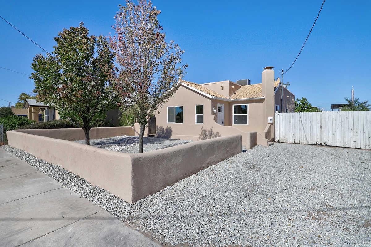 $275,000 - 2Br/1Ba -  for Sale in Albuquerque
