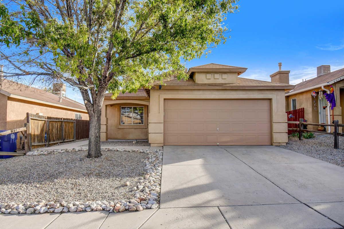 $235,000 - 3Br/2Ba -  for Sale in Albuquerque