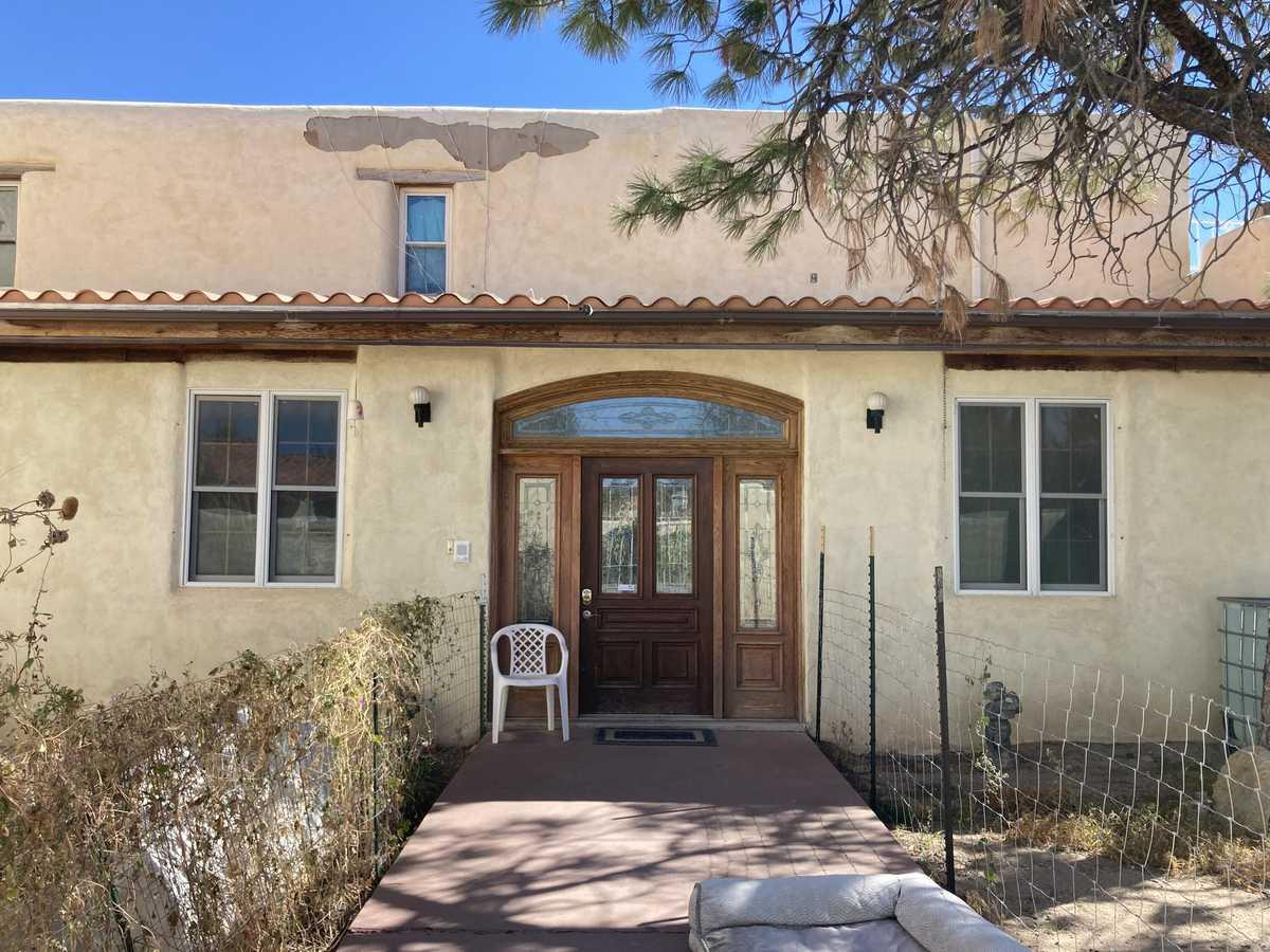 $300,000 - 4Br/4Ba -  for Sale in Albuquerque