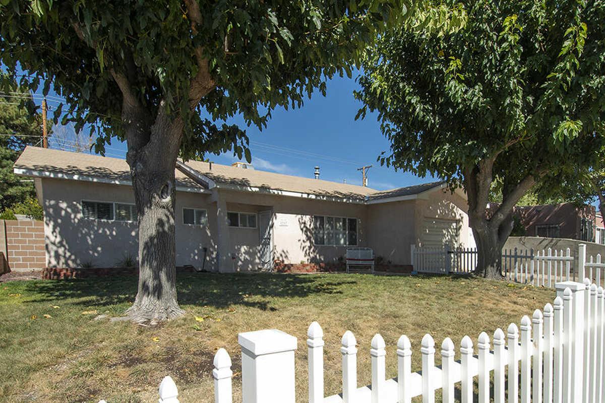 $275,000 - 4Br/2Ba -  for Sale in Albuquerque