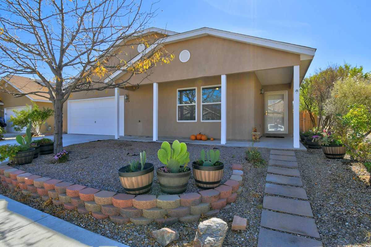 $250,000 - 3Br/2Ba -  for Sale in Albuquerque