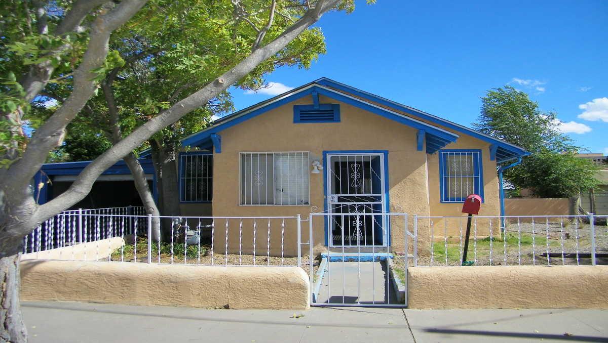 $195,000 - 2Br/1Ba -  for Sale in Albuquerque