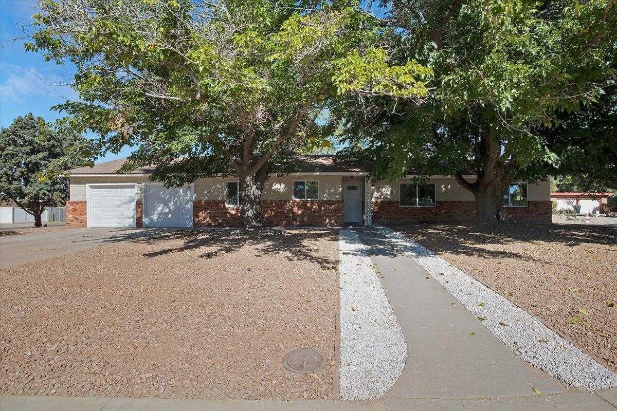 $369,000 - 4Br/2Ba -  for Sale in Albuquerque