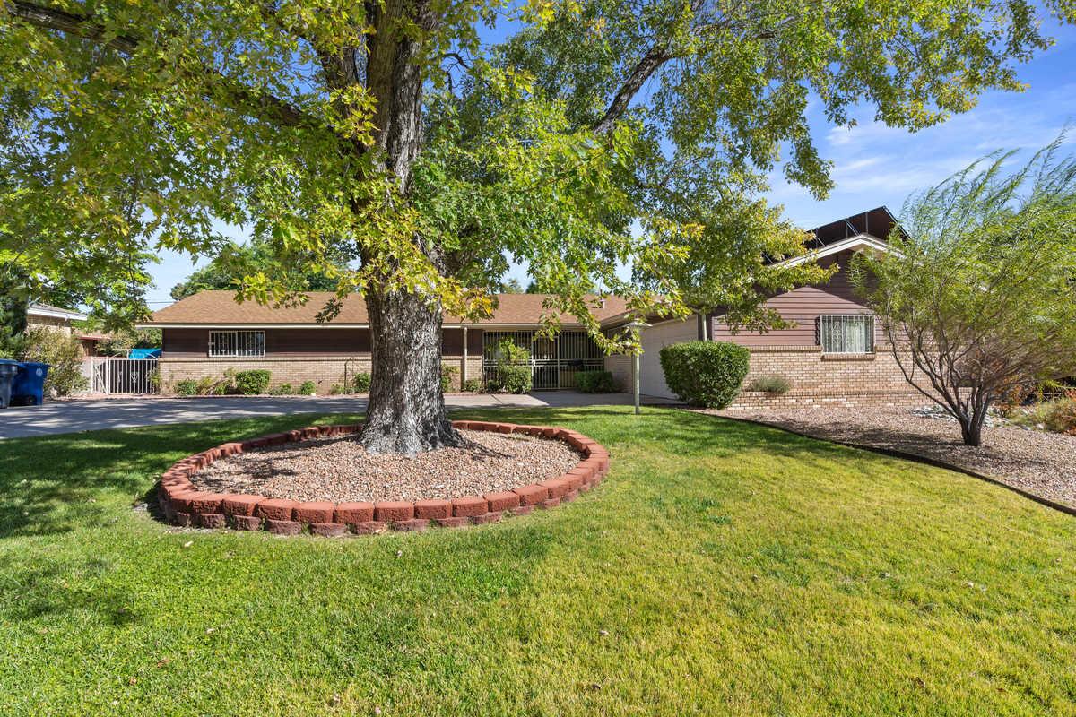 $359,000 - 4Br/3Ba -  for Sale in Albuquerque
