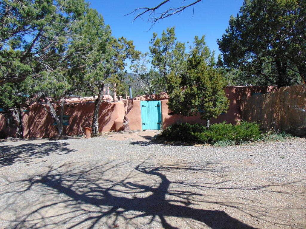 $339,900 - 3Br/2Ba -  for Sale in Sierra Vista Estates, Cedar Crest