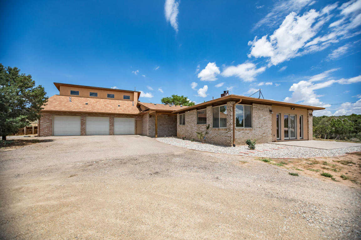 $350,000 - 3Br/4Ba -  for Sale in Rancho Sandia, Edgewood