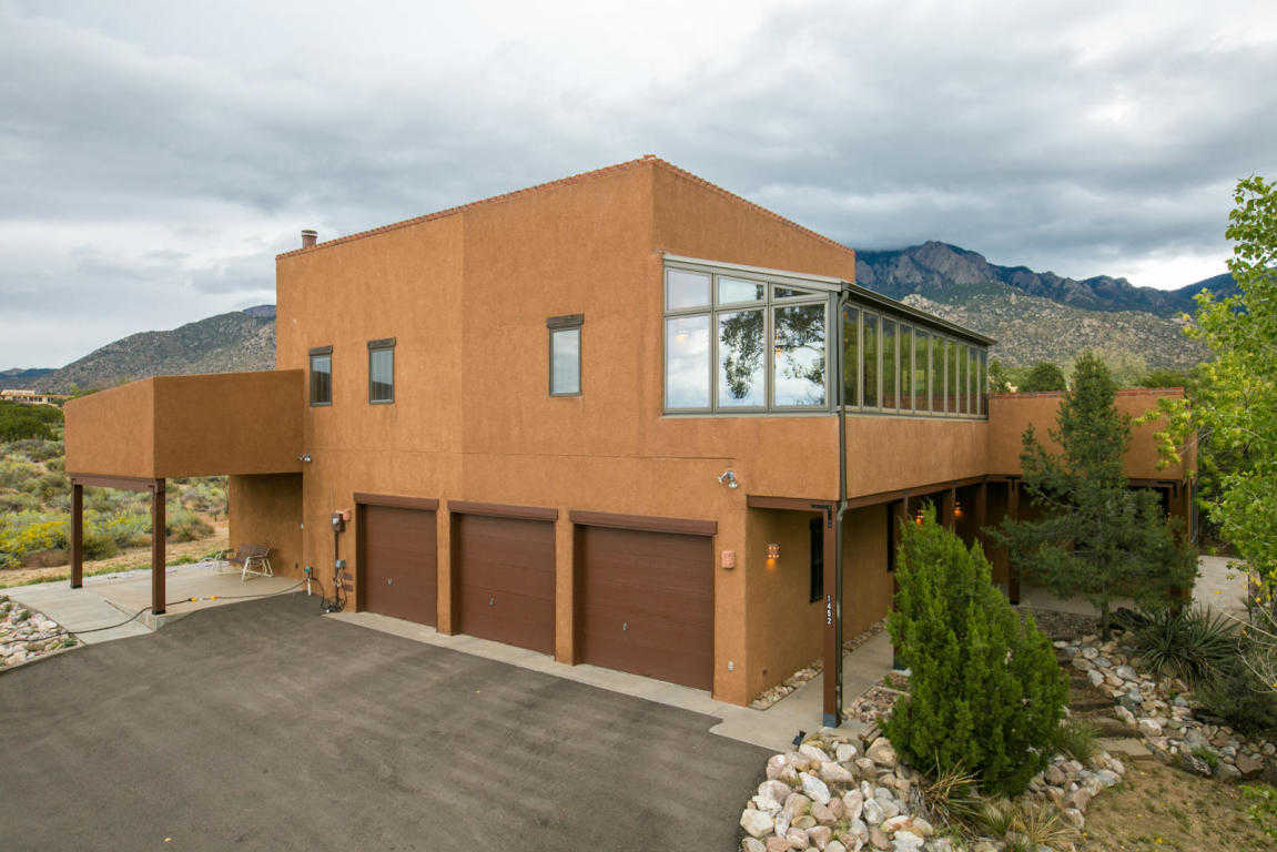 $595,000 - 2Br/3Ba -  for Sale in Sandia Heights, Albuquerque