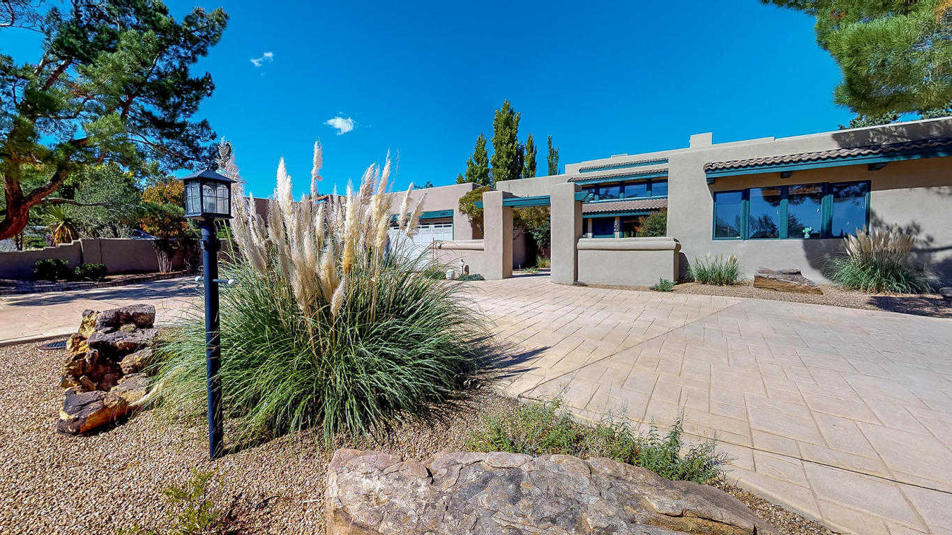 $550,000 - 4Br/4Ba -  for Sale in Panorama Heights, Rio Rancho