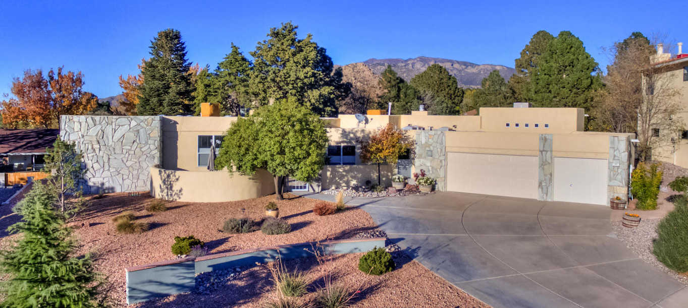 $599,999 - 4Br/3Ba -  for Sale in 04 Hills Village 19th Inst, Albuquerque