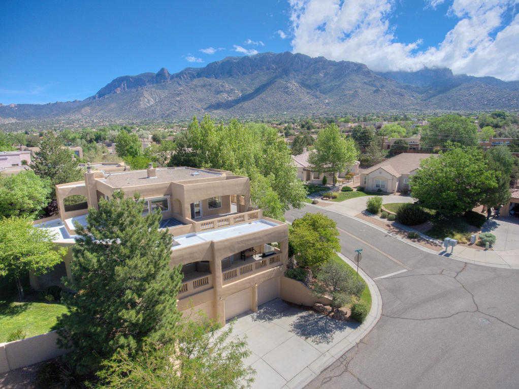$525,000 - 3Br/3Ba -  for Sale in Primrose Pointe, Albuquerque