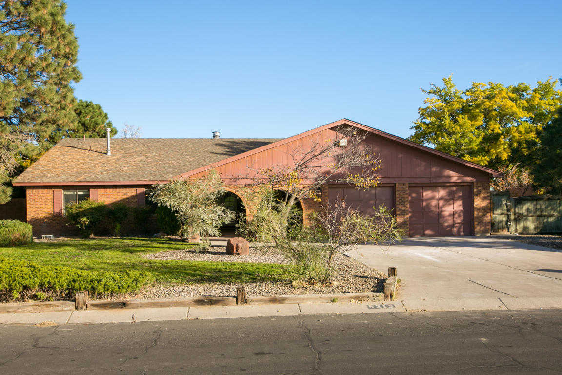 $369,900 - 4Br/3Ba -  for Sale in Paradise Hills Country Club Es, Albuquerque