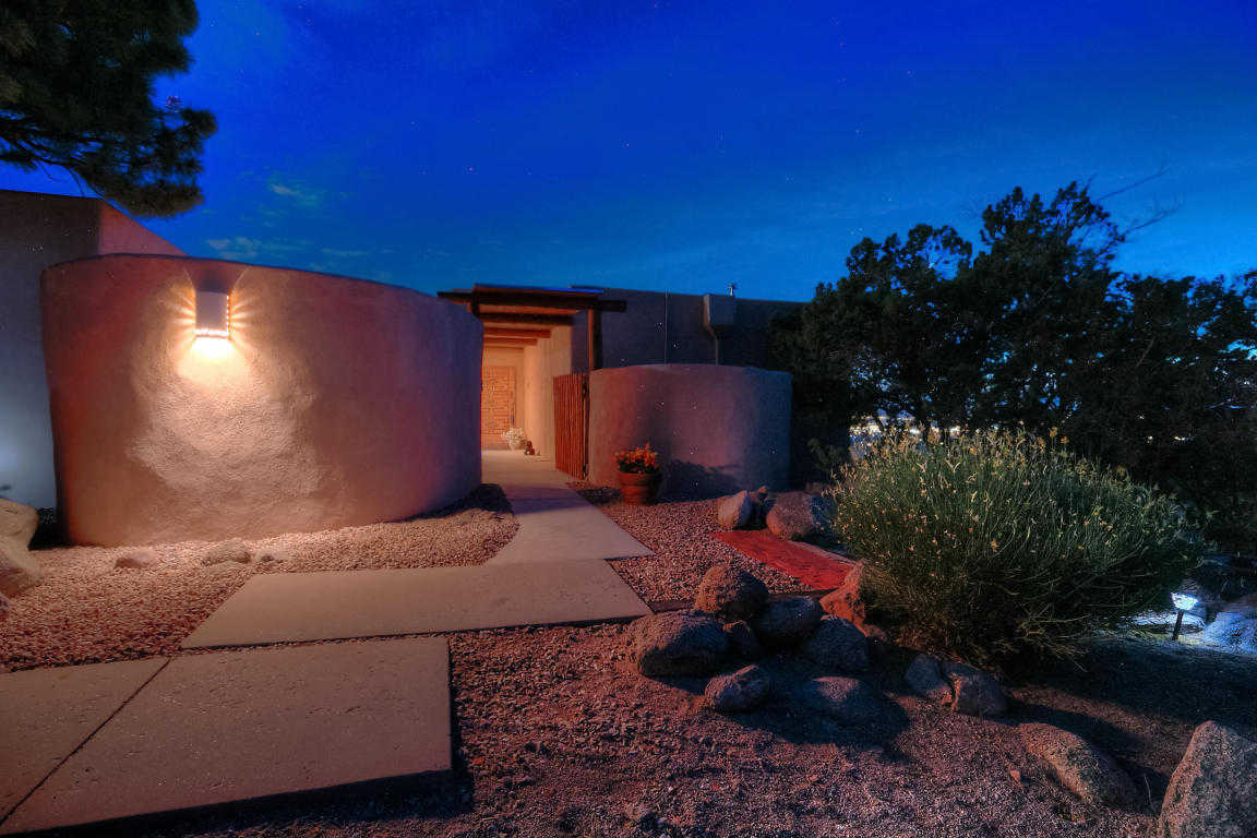 $649,000 - 4Br/4Ba -  for Sale in Sandia Heights, Albuquerque