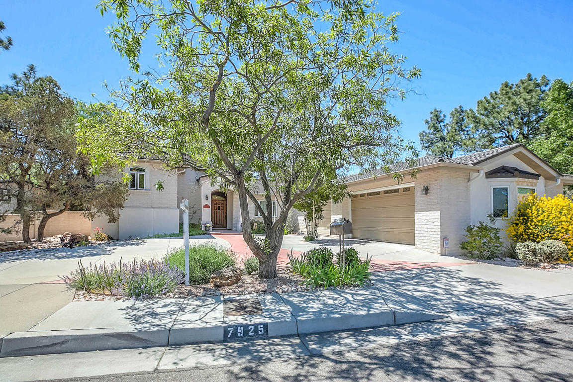 $449,900 - 4Br/3Ba -  for Sale in Academy Estates, Albuquerque