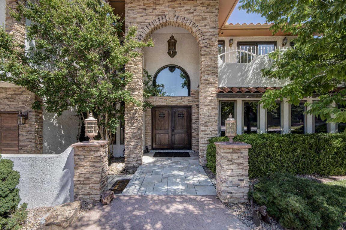 $749,000 - 4Br/3Ba -  for Sale in Fairways North/tanoan, Albuquerque