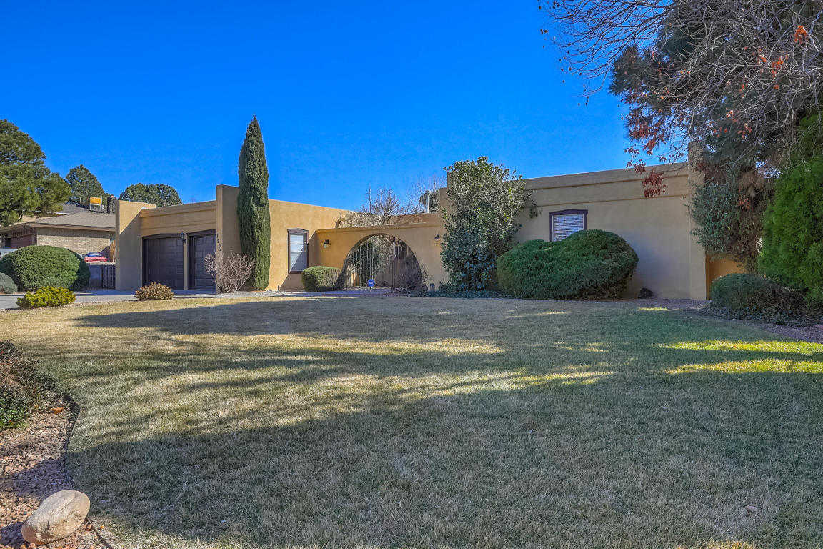 $419,900 - 4Br/3Ba -  for Sale in Academy Estates / American Heritage, Albuquerque