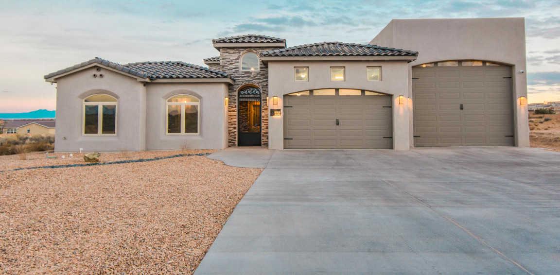 $599,900 - 5Br/3Ba -  for Sale in Rio Rancho