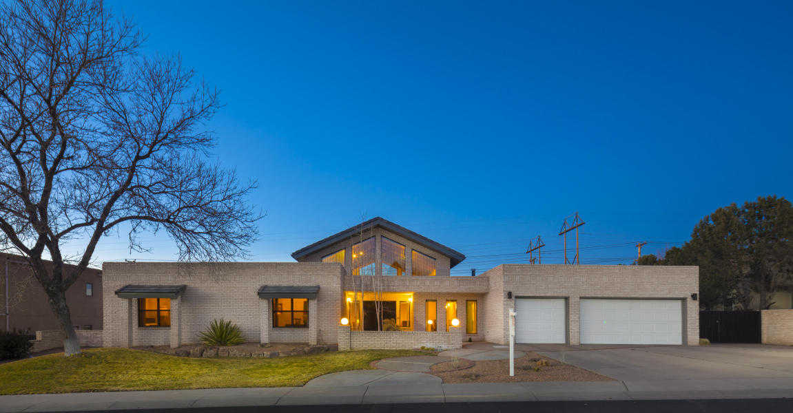 $595,000 - 4Br/3Ba -  for Sale in Fairways North/tanoan, Albuquerque