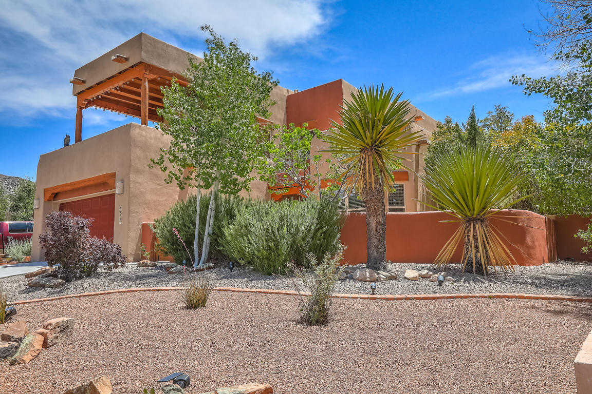 $375,000 - 3Br/2Ba -  for Sale in Las Manzanitas, Albuquerque