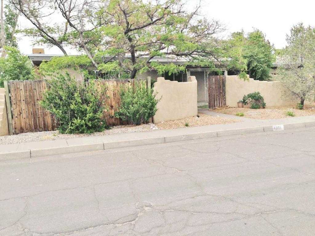 $299,900 - 6Br/4Ba -  for Sale in Heights Reservoir Add 25, Albuquerque
