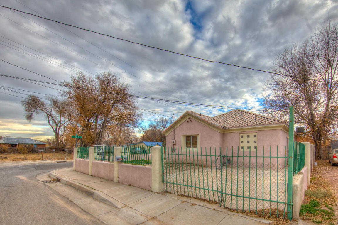 $139,900 - 4Br/2Ba -  for Sale in Glendale Gardens, Albuquerque