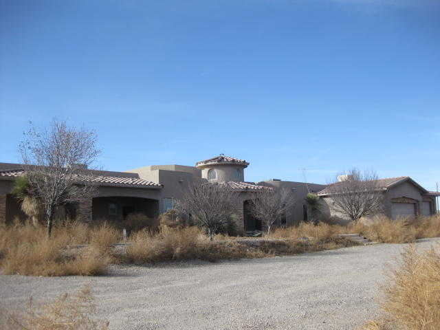 $400,000 - 4Br/4Ba -  for Sale in Valle Grande Heights, Albuquerque