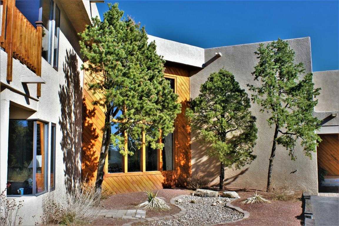 $799,900 - 4Br/3Ba -  for Sale in Sandia Heights, Albuquerque