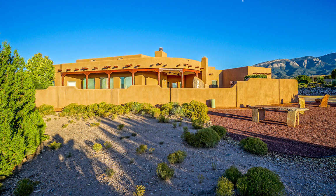 $659,500 - 3Br/3Ba -  for Sale in Anasazi Trails, Placitas