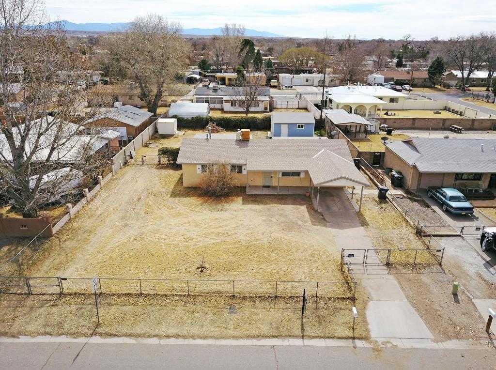 $150,000 - 3Br/2Ba -  for Sale in Of Adobe Acres Sub, Albuquerque