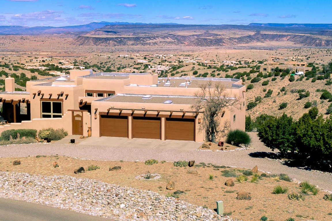 $750,000 - 4Br/4Ba -  for Sale in La Mesa, Placitas