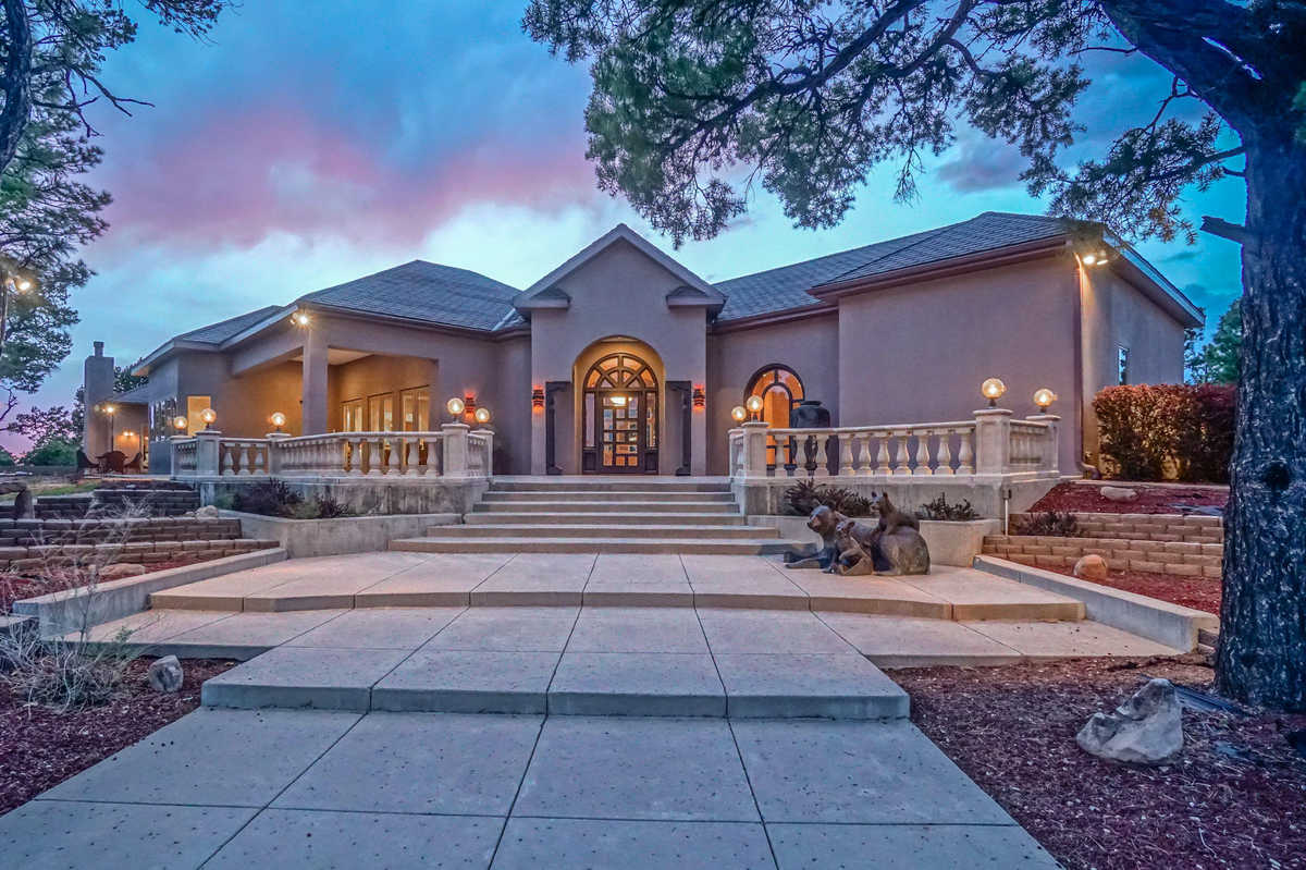$1,990,000 - 4Br/5Ba -  for Sale in Lindrith
