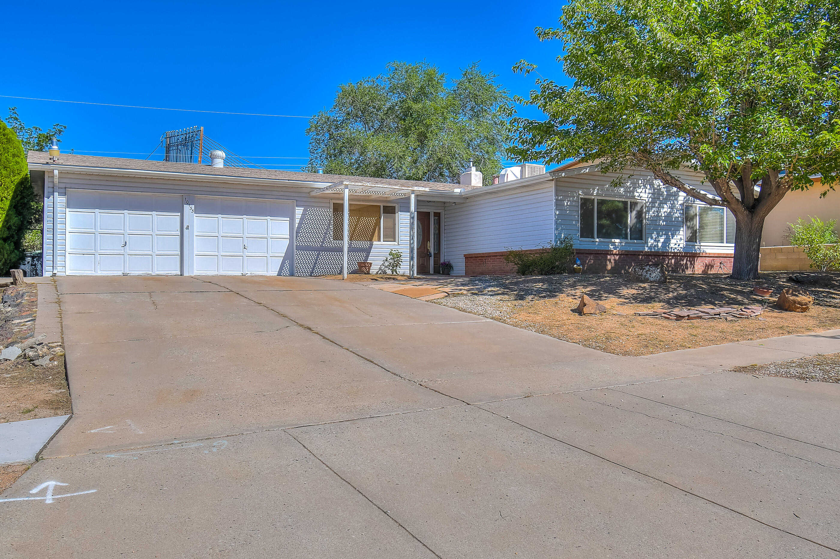 $185,000 - 3Br/2Ba -  for Sale in Albuquerque